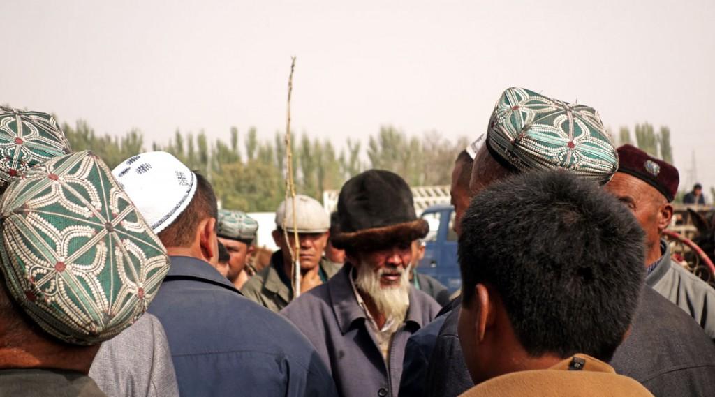 Négociation entre chapeaux